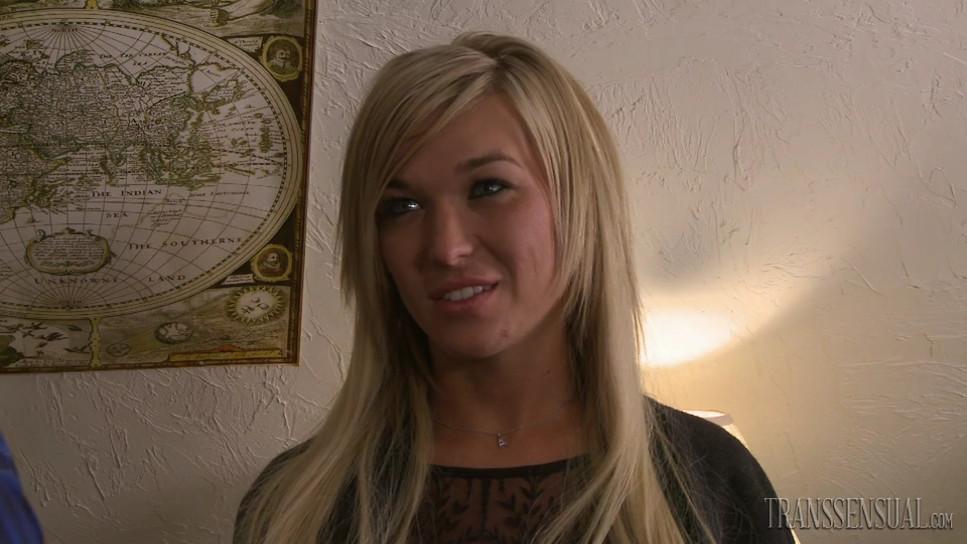 Tgirl Aubrey Kate is a beautiful blonde blue eyed babe