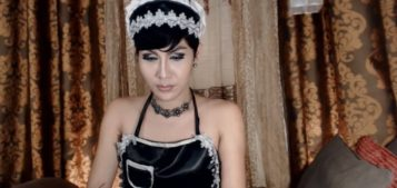 Asian T-girl with short hair on Ladyboyxcam