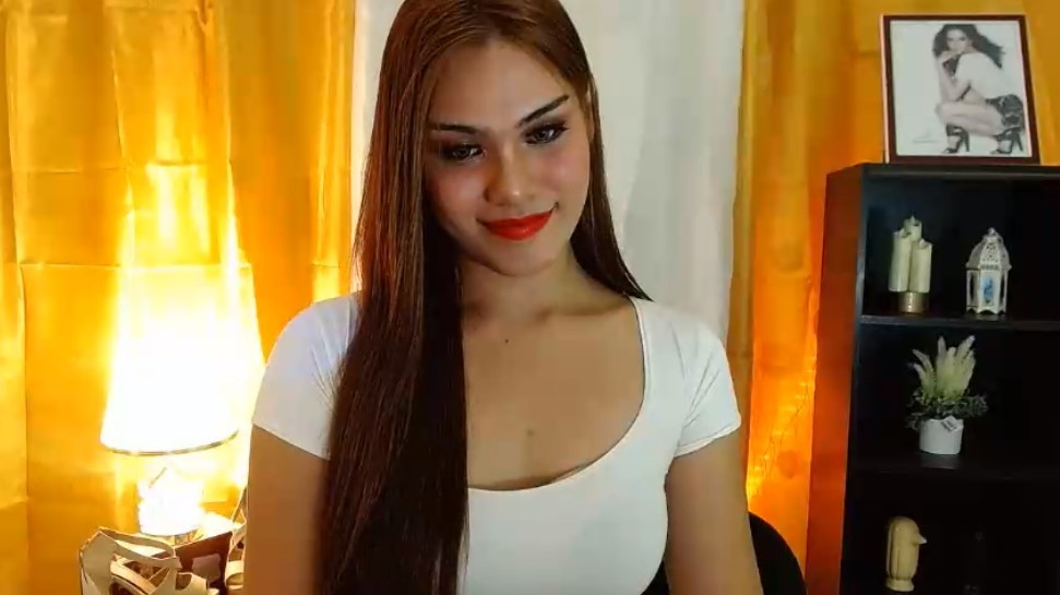 Hola, you fall in love with a ladyboy or kathoey